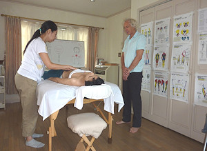 ABDOMINAL MASSAGE by Hapuna student
